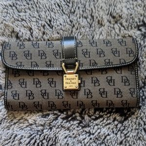 NWOT Dooney and Bourke Tri-Fold Wallet with Lock